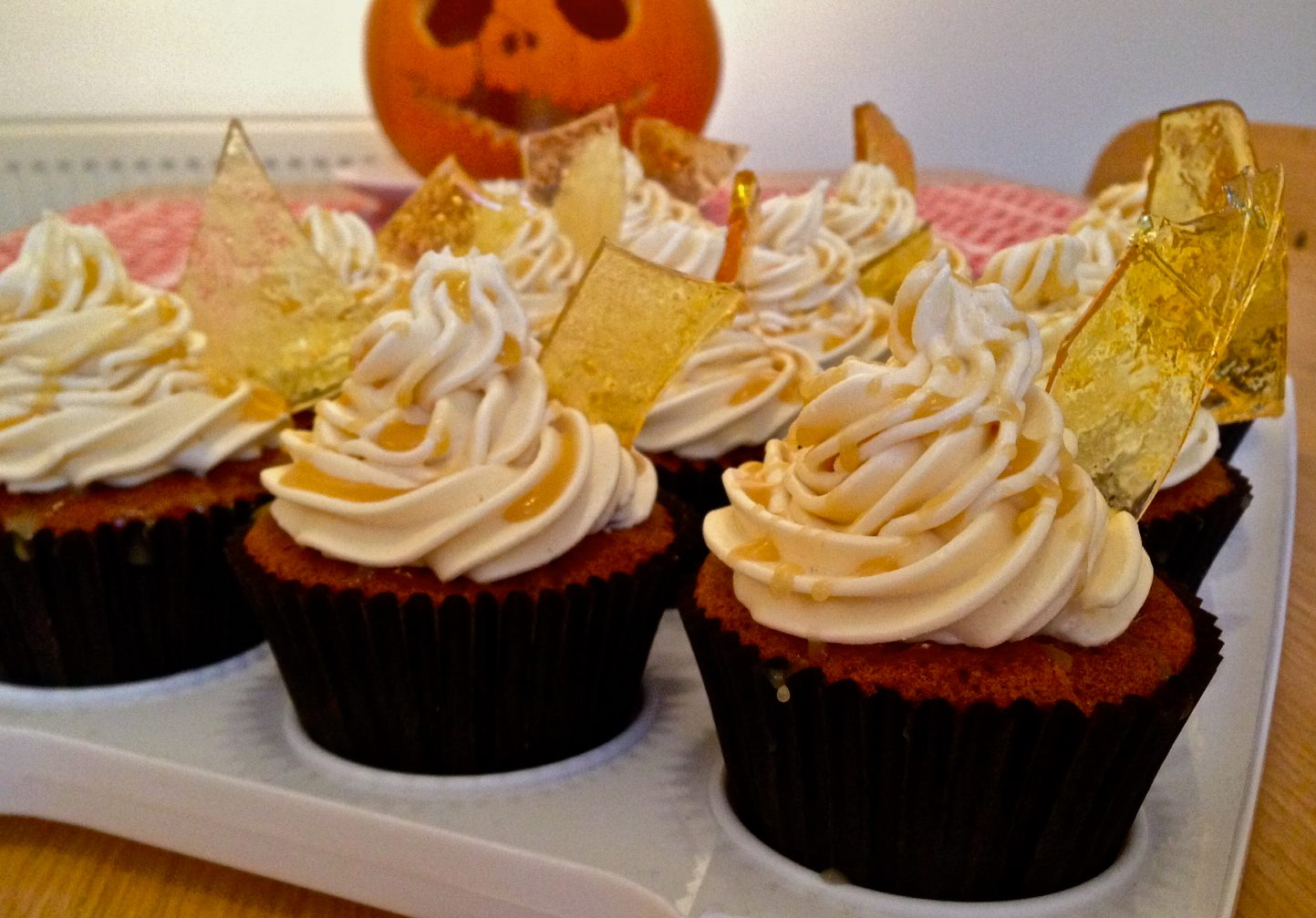 Spiced Apple Cupcakes With Salted Caramel Italian Meringue